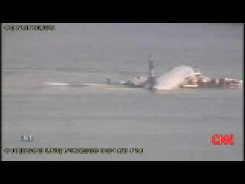 **Surveillance Cameras** capture US Airways Crashing into the Hudson River. (FULL VIDEO )