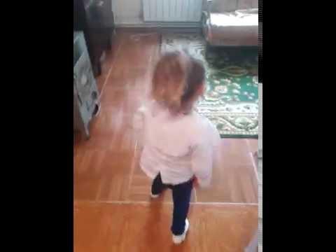Девушка танцует  MiyaGi & Эндшпиль  – I Got Love