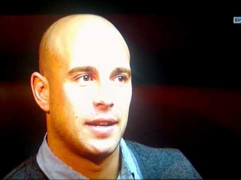 Pepe Reina admitting Carragher does not like to be fisted by him