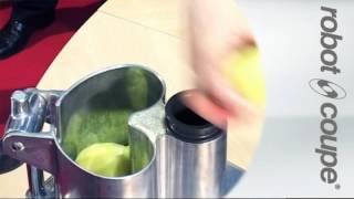 Video: Krouhač zeleniny Robot Coupe CL 60 M přítl.páka (2319)