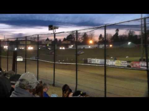 Hobby Stock Heat 2 @ Marshalltown Speedway 04/07/17