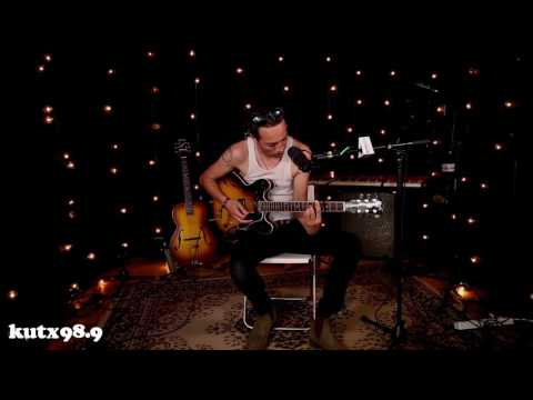 Marlon Williams - I'm Lost Without You (ACL Fest Pop-Up Session)