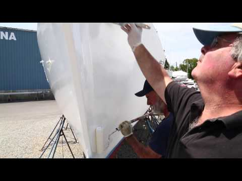 How to easily roll and tip topside paint on your boat