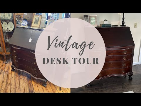 What's in my Vintage Desk? | The Pixie Planner