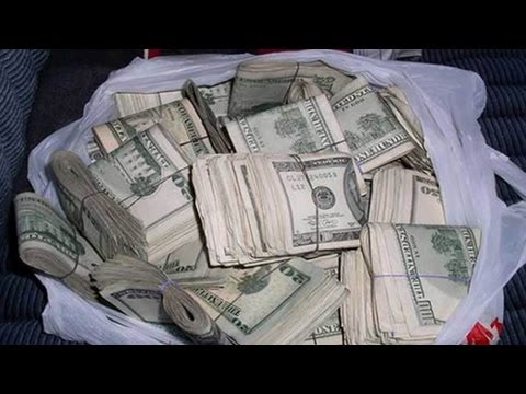 10 People Who Found Big Money And Returned It
