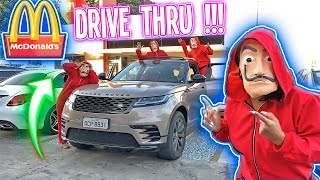 FOMOS 7 VEZES NO DRIVE THRU, VESTIDOS DE LA CASA DE PAPEL !!!