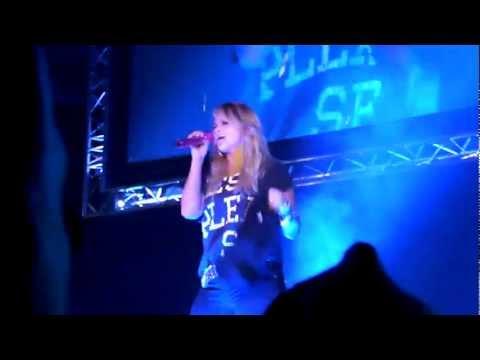 Miranda Lambert - Over You (Live at the Covelli Centre)