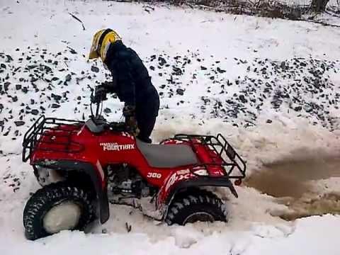 Honda 300 Fourtrax 1992 4x4 In Snow