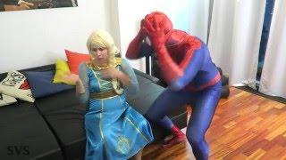 Download lagu FROZEN ELSA vs EVIL ELSA w Spiderman vs Evil Queen Maleficent   Superhero Fun in Real Life