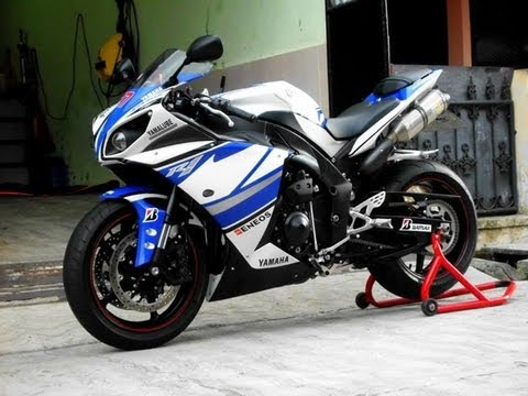 Yamaha R1 2011 TITANIUM Leo Vince SBK Low RPM - YouTube