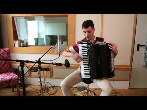 Akkordeon Spielen Lernen - Online from YouTube · Duration:  2 minutes 16 seconds