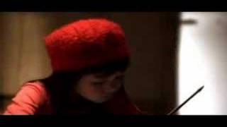 8 years old Violinist Clarissa Tamara ( Aku Cinta D minor -- 2008)