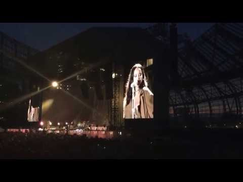 RIHANNA - Love On The Brain. DUBLIN AVIVA...