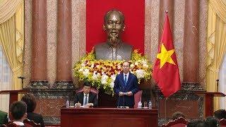 """Chủ tịch nước Trần Đại Quang gặp mặt đại biểu Chương trình """"Chia sẻ cùng thầy cô"""" năm 2017"""