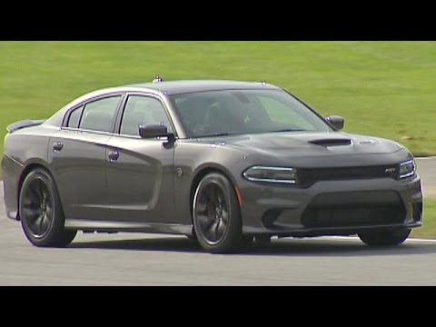 2017 Dodge Charger Srt Hellcat World S Fastest Family Car