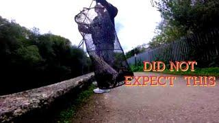 WOW fantastische worp, nette volledige rivierkreeftenmagneet die de rivier lea 👍 vist