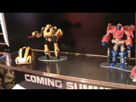 Transformers War for Cybertron Optimus Prime and Bumblebee - Toy Fair 2010