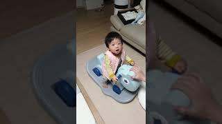 10개월 아기, 붕붕카 겸 흔들말 첫 시승 : baby…