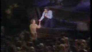 Neil Diamond LIVE with Friends singing Song Sung Blue