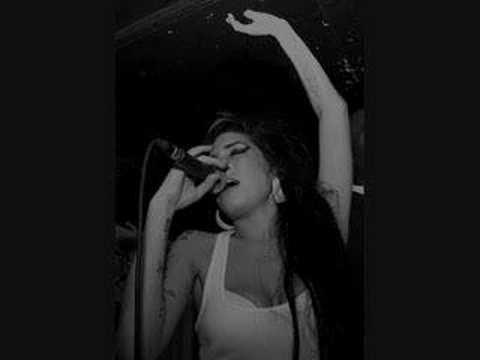 Amy Winehouse- I Should Care (Live)