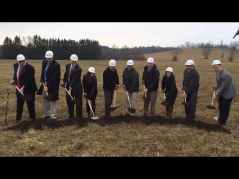 First dirt turned on new Vinton County supermarket