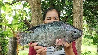 Amazing Cooking Roast Salt Fish W/ Spicy Sauce Recipe - Eating Fish Delicious - Primitive Technology