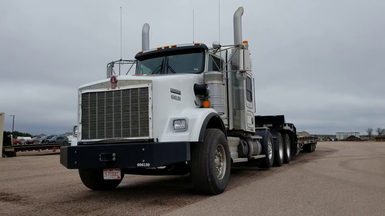 2013 KW Heavy Haul- Mint Condition- Call JW-970-518-5520
