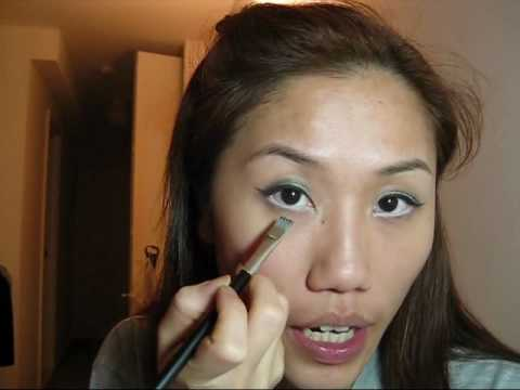 c1c3b955f27 Twiggy Inspired Makeup on Asian Eyes - YouTube