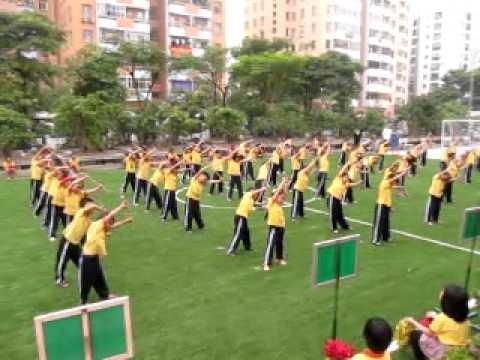 TD với gậy - HKPĐ 2011 (Trường tiểu học Ngôi sao Hà Nội)