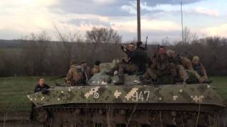 Украинские военные разбили машину, а также стреляют ►Украина ►Донбасс Украина!