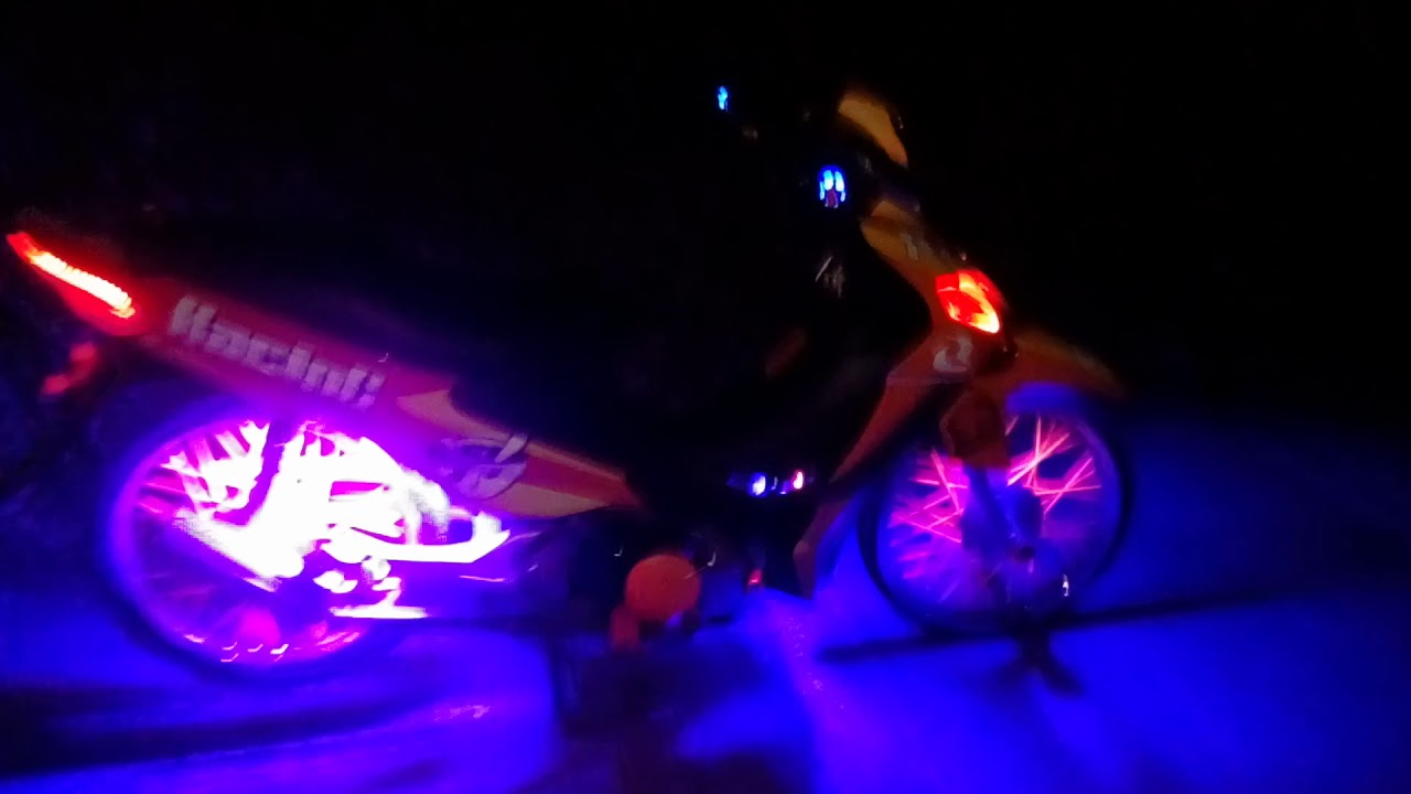 Smash115 sticker and lights