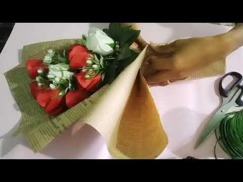 Hướng dẫn bó hoa 10 bông bằng giấy báo |Shop Hoa Thao| | Foci