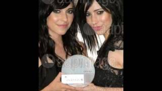 The Veronicas-Hook Me Up Instrumental with lyrics + download