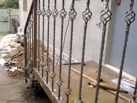 Недорогие кованые перила для входа в дом входная лестница крыльцо высокий цоколь