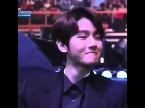 Baekhyun Reaction to Taeyeon Speech @ Gaon...