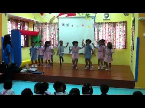 K1A & K1B Dancing to itik-itik song