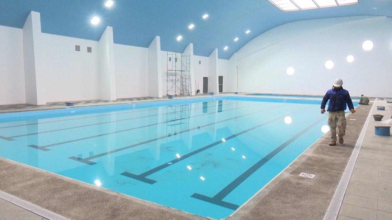Obras de piscina semiol mpica techada se encuentran en la for Alberca semiolimpica