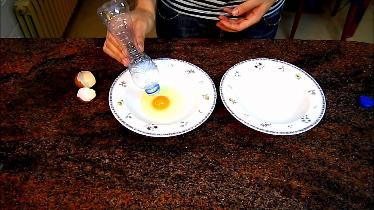 Cmo separar la clara de la yema huevo truco con una botella de