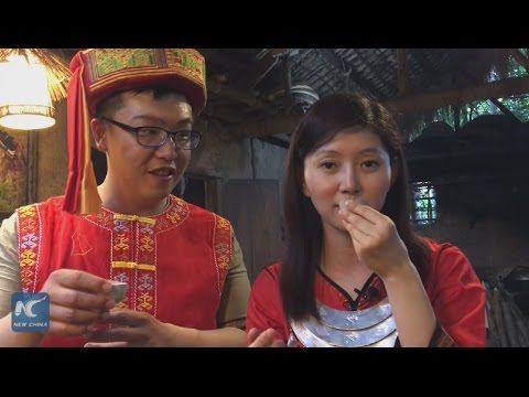 Facial tattoo & bamboo dance! Touring China's first AAAAA ethnic theme park