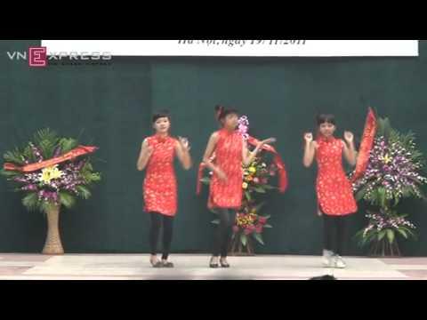 Tiết mục nhảy hiện đại của nữ sinh Việt Đức.mp4