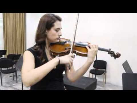 Alista Shari Mason su violín