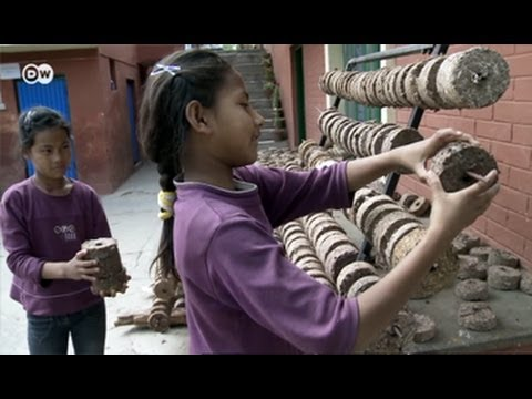 Nepal: Bio-Briquettes instead of Firewood | Global 3000