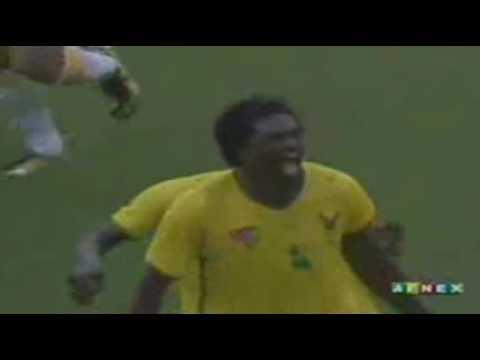 Les éperviers de Togo 1 - Cameroun 0: But de Sheyi Emmanuel Adebayor