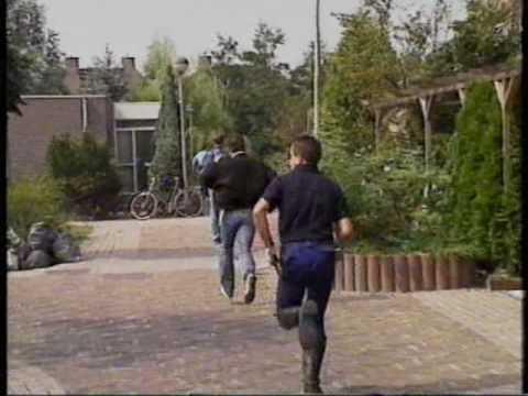 Aanhouding bankrovers Amsterdam-Zuidoost 1988 NOS Journaal