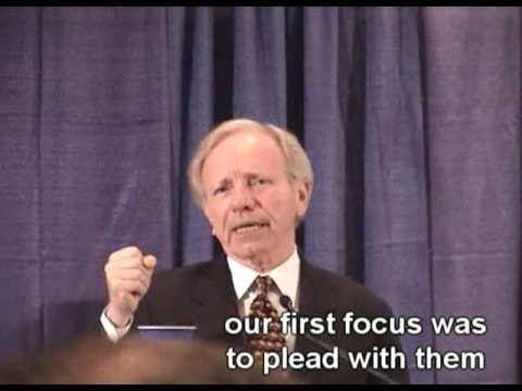"Joe Lieberman wants to ""constitutionally ban"" violent videogames"
