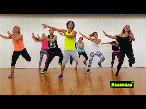 Becky G - Mayores  ft. Bad Bunny Coreografia ZUMBA 2018 David Brasukas