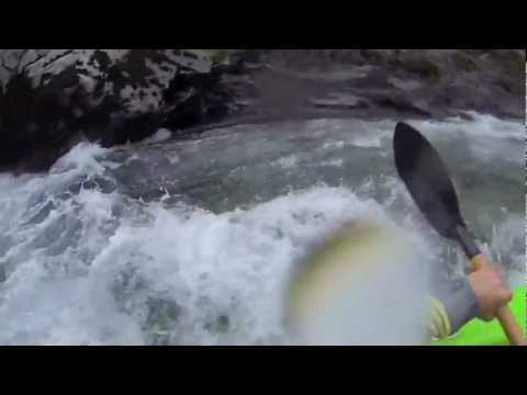 whitewater kayaker swims through horrible sieve