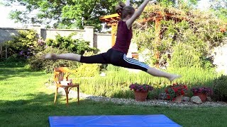 vuclip Безумный гимнастический челлендж с газировкой ! Chug a Jug Gymnastics Challenge !