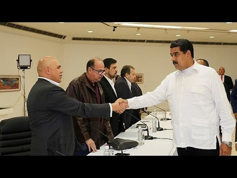 Venezuelan president meets with opposition leaders amid political crisis - world