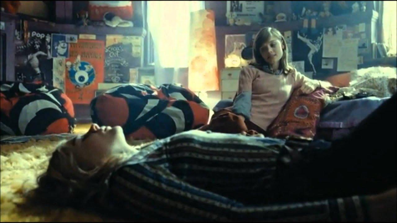 'Dark Shadows' Deleted Scene - Carolyn & Victoria Discuss ...